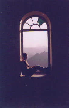 Jason Cochran at the Monsoon Palace in Udaipur, India